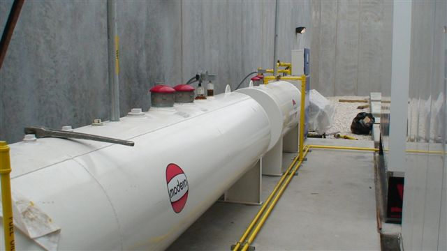pollutant storage tank contractor